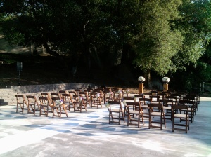 Woodsy backdrop for your private wedding ceremony