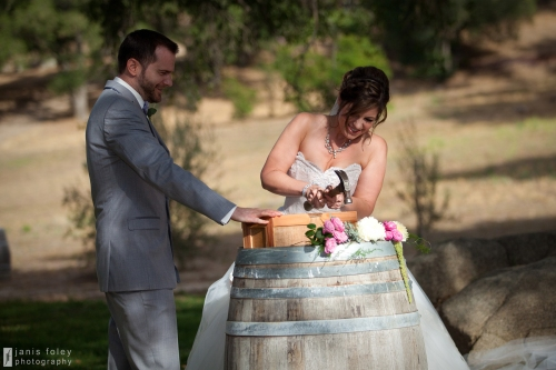 hammering-bride
